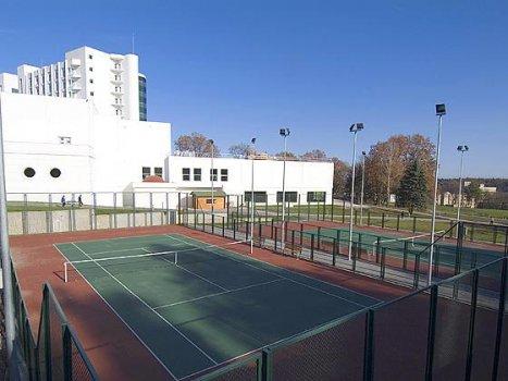тенісні корти